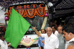 cm-flag-off-ksrtc-volvo-bus-from-davanagere-to-bangalore