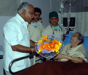 cm-visit-to-gangubai-hanagal-3