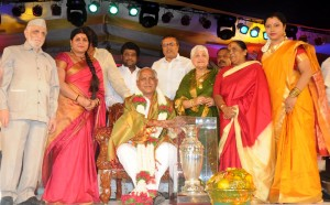 Chief minister B S Yeddiyurappa felicitated by film chamber of commerce on Thanks giving function to chief minister.Sri Talam Nanjunda Shetty,Smt Jayamala,Smt Parvatamma Rajkumar and Tara were present in Bangalore on 25.08.2009.