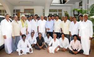 The Delegation led by Sri Renukacharya ,MLA from Honnali met cm in Bangalore on 10.09.2009.