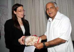 Ms Orna Sagiv,council General of Israil  called on Chief minister Sri B S Yeddyurappa  in Bangalore on 16.09.2009.