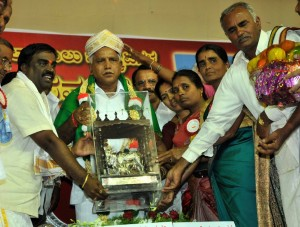 K.M.F. Chairman Shri Somashekara Reddy felicitated Chief minister B.S.Yadyurappa at milk Producers Conference ,Dabaspete on 02-10-2009