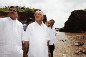 Chief Minister B S Yeddyurappa inspected Tank Breach at Balakabi Villagew in Soundatti Tq. Belagavi Dist. Water Resources Minister Basavaraj Bommai & MP Suresh Angadi seen in pic