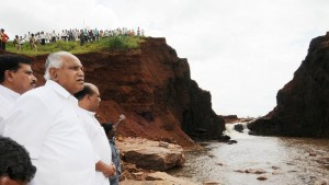 Chief Minister B S Yeddyurappa inspected Tank breach at  Balakabi Village in Soundatti Tq. Belagavi Dist. Water Resources Minister Basavaraj Bommai & MP Suresh Angadi seen in pic