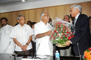 Chief Minister B S Yeddyurappa discussed with Sri Vinod Rai Controller &  Auditor Genaral of India today @ Vidhanasoudha.Ministers Ramachandra Gowda & Aravinda Limbavali seen in pic