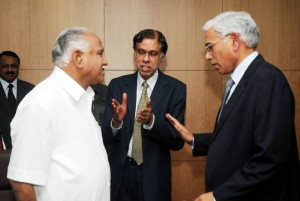 Chief Minister B S Yeddyurappa discussed with Sri Vinod Rai Controller &  Auditor Genaral of India today @ Vidhanasoudha.Chief Secretary S V Ranganath seen in pic