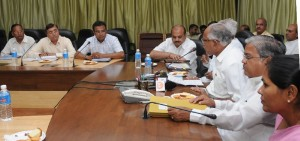 Chief Minister B S YEddyurappa discussed with central Government team lead by O Ravi Joint Secretary Home Ministry Government of India
