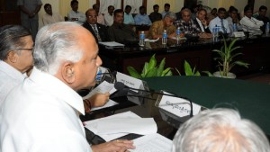 cm discussing with private hospital Doctors