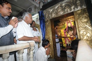 CM offered pooja before starting padayatra in Bangalore