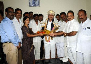 Sri Manivannan,Divisional commission for mysore  and mysore Dist, Administrators invited (13.11.2009) Chief minister B S Yeddiyurappa for panchlingadarshana to be held in Talakadu  .