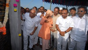 CM B.S.Yeddyurappa laid foundation stone to construction of houses and Nava Grama at kudi-kobal village of jewargi taluka today(20-11-2009). abbetumakur vishwaradhya matt's ratnashri gangadhara swamiji, cooperative minister sri laxman s savadi, jewargi mla sri doddappagouda patil naribol and others were participated