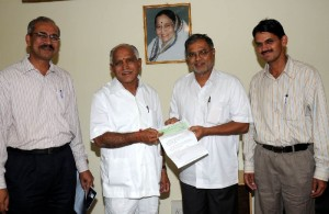 Sri S Suresh Kumar,minister for urban devlopment presented Rs 50 crore cheque to the chief minister calamity fund behalf of BBMP Sri Baratlalmeena, commissioner for BBMP and Sri Raju,economic advisor for chief minister were present.
