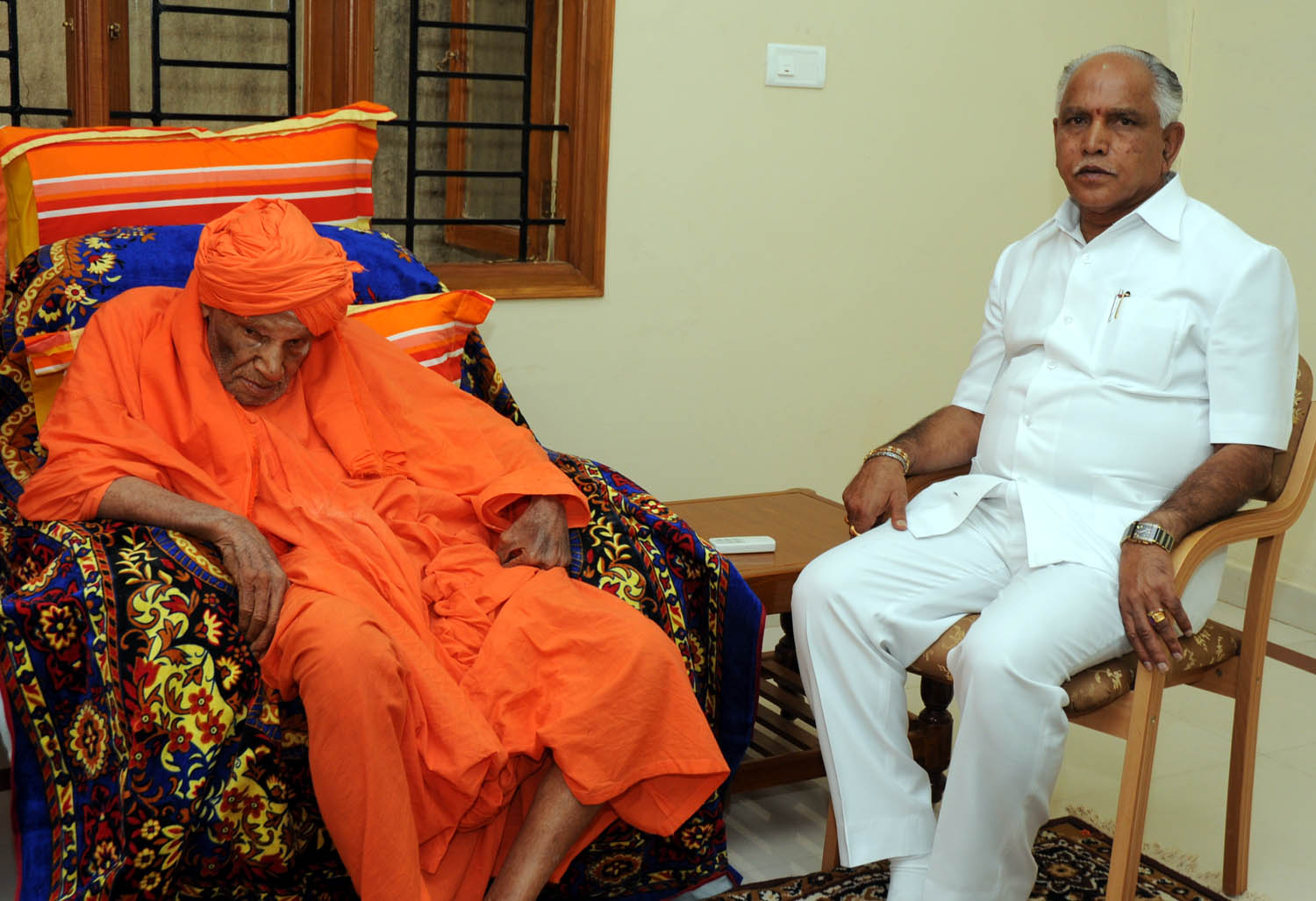 CM BSY discussed with Dr Shivakumara Swamiji of Siddaganga mutt bangalore