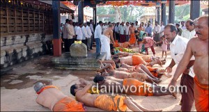 Mangalore: Mogaveera Community Performs 'Urulu Seve' for Yeddyurappa's Release