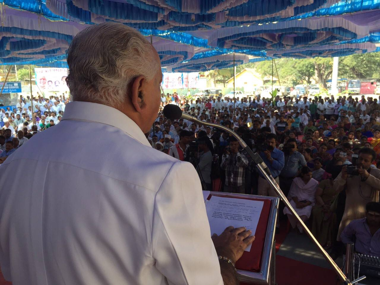 B S Yeddyurappa at Inaugural function of Yashavanthapur-Shivamogga Express train.